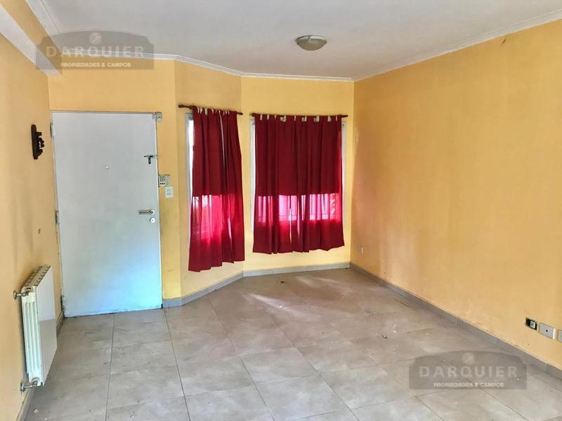 Foto Casa en Venta en  Adrogue,  Almirante Brown  PELLEGRINI 1087