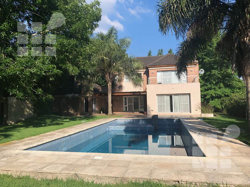 Foto Casa en Alquiler en  City Bell,  La Plata  Grand Bell lote 17