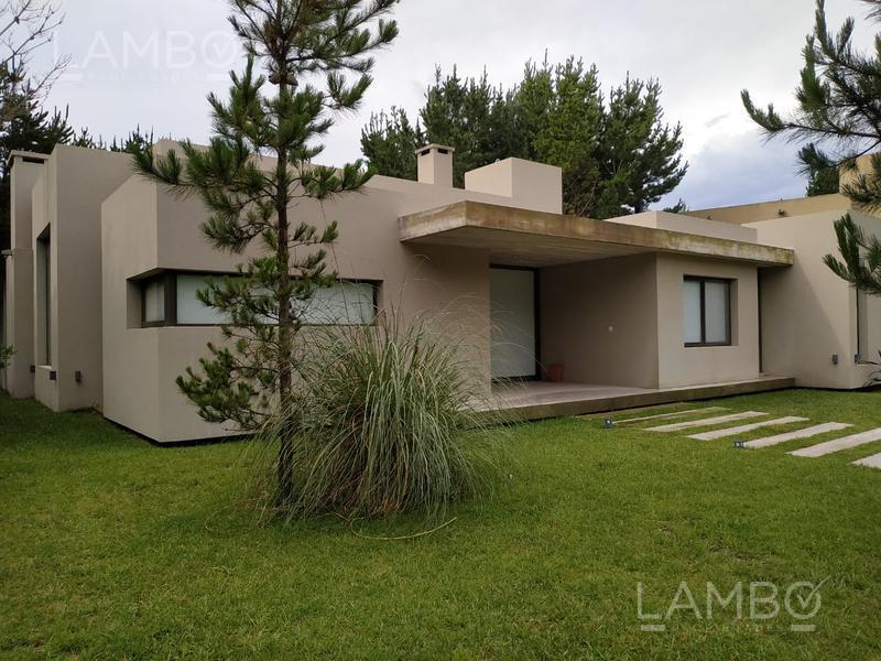 Foto Casa en Alquiler temporario en  Costa Esmeralda,  Punta Medanos  ALQUILER TEMPORARIO VERANO 2021, Costa Esmeralda, Barrio Residencial I