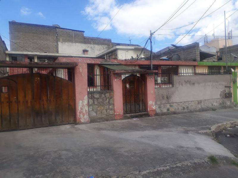 Foto Casa en Venta en  Sur de Quito,  Quito  Casa de Venta Sur de Quito - Sector San Bartolo