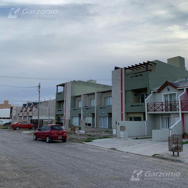 Foto PH en Alquiler en  Playa Union,  Rawson  Jorge Newbery al 1200