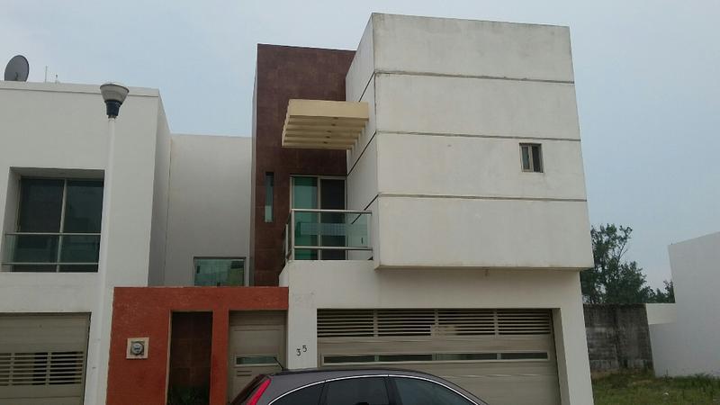 Foto Casa en Renta en  Fraccionamiento Paraíso Coatzacoalcos,  Coatzacoalcos  ABRAHAM ANGEL # 35 PRIVADA PARAISO EN COATZACOALCOS, VERACRUZ