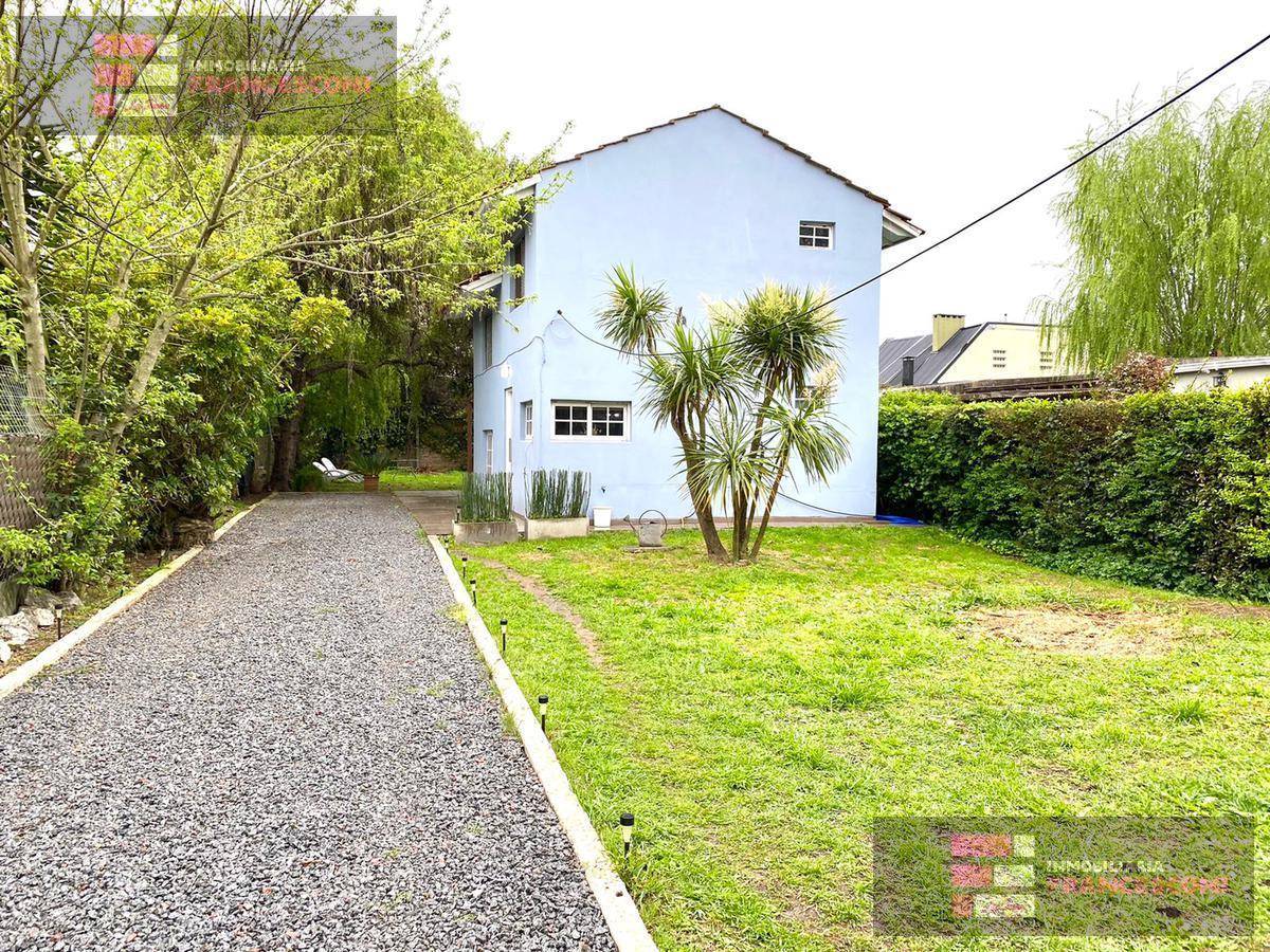 Foto Casa en Venta en  City Bell,  La Plata  28  471 Y 472