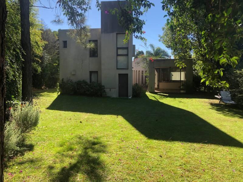 Foto Casa en Alquiler en  Miraflores,  Countries/B.Cerrado (Escobar)  Colectora Panamericana Km al 100