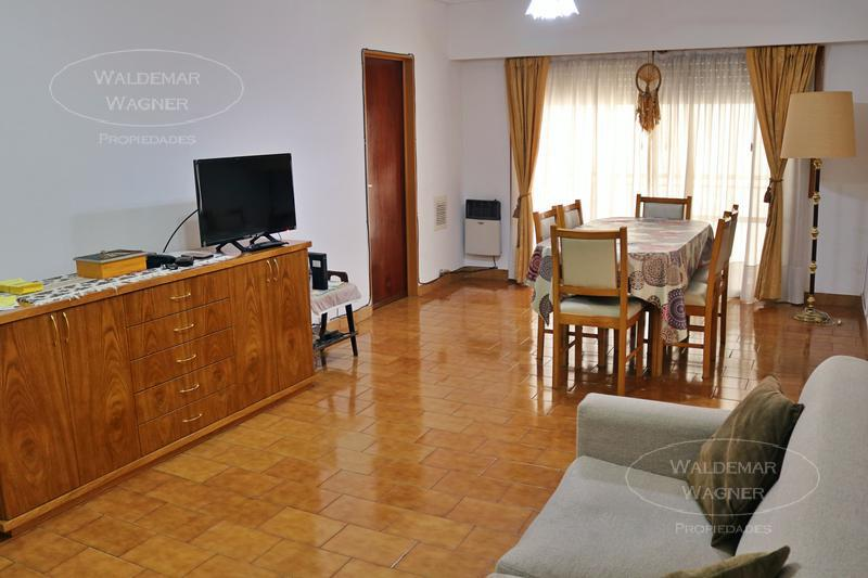 Foto Departamento en Venta en  S.Fer.-Vias/Centro,  San Fernando  Ayacucho 1554 2º E