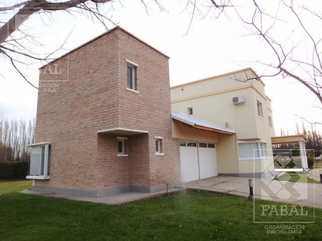 Foto Casa en Venta en  Plottier,  Confluencia  Alberdi 1150 - Barrio privado Los Cedros 1
