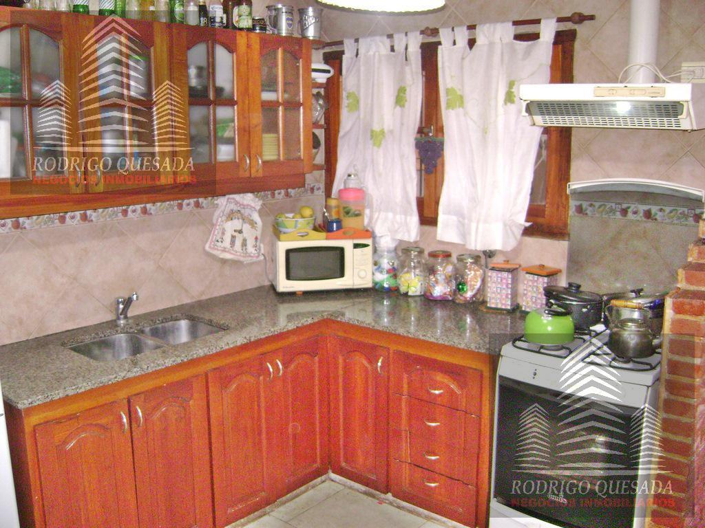 Foto Casa en Venta en  San Bernardo Del Tuyu ,  Costa Atlantica  Excelente casa en Av. Pricipal- TOMA PERMUTA y/o FINANCIA
