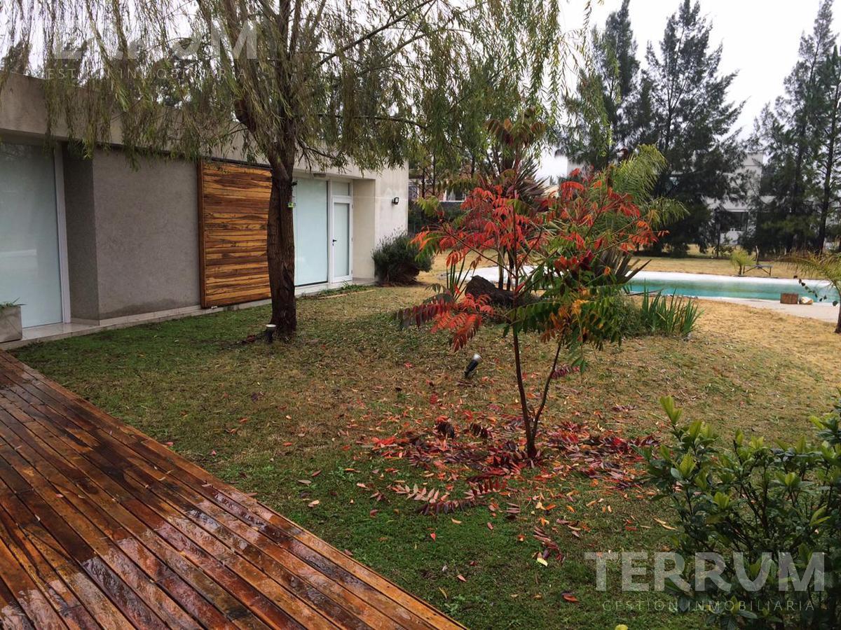 Foto Casa en Venta en  Malibu,  Countries/B.Cerrado (San Vicente)  CASA EN VENTA : CANNING : MALIBU