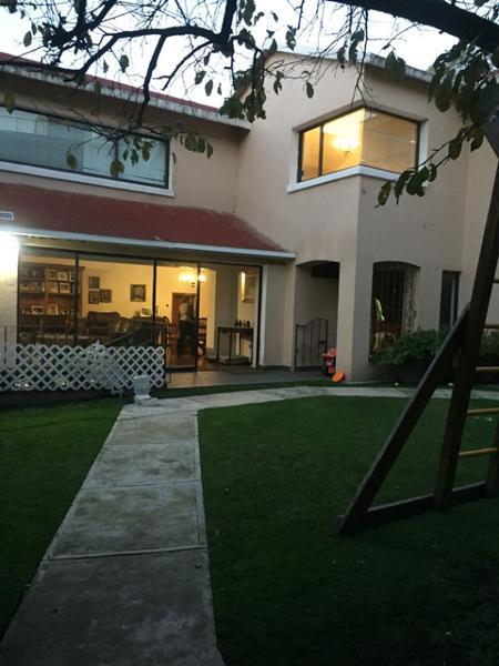 Foto Casa en Venta en  La Herradura,  Huixquilucan  Herrradura, Residencia  Remodelada en calle cerrada