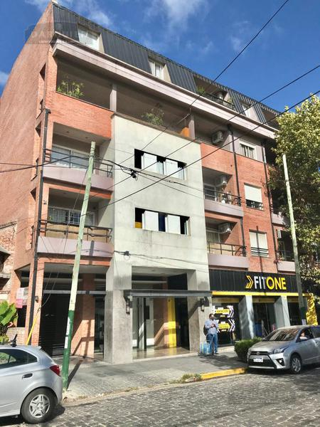 Foto Departamento en Venta en  Adrogue,  Almirante Brown  DIAGONAL BROWN 1574 2º D