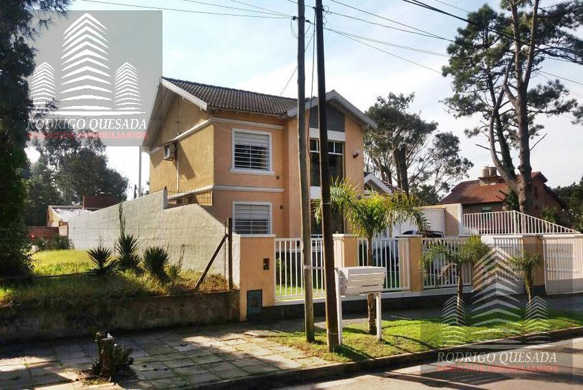 Foto Casa en Venta en  Mar De Ajo ,  Costa Atlantica  Hermosa casa en Barrio San Rafael, Mar de Ajo