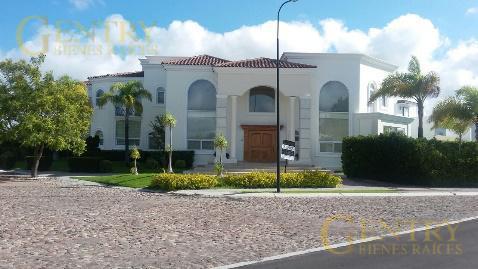 Foto Casa en Renta en  Fraccionamiento El Campanario,  Querétaro  Residencia en Renta