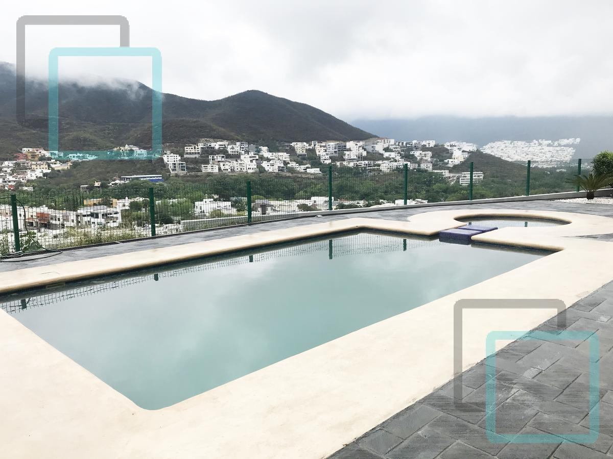 Foto Casa en Venta en  Monterrey ,  Nuevo León  CASA EN VENTA PORTAL DE VALLE ALTO ZONA CARRETERA NACIONAL MONTERREY