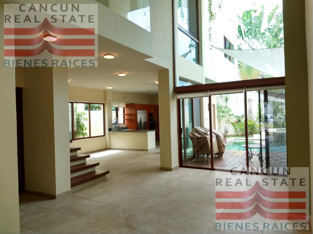 Foto Casa en Venta en  Residencial Cumbres,  Cancún  CASA Cumbres