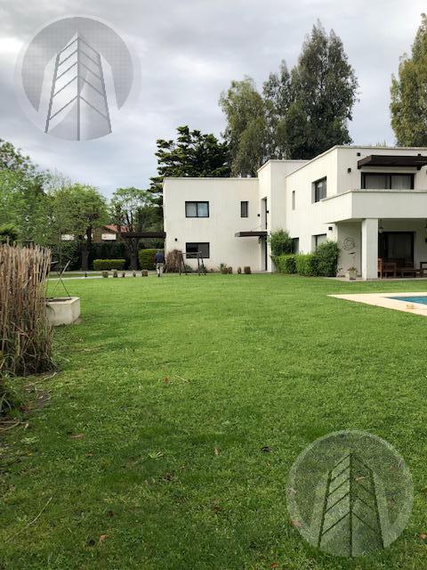 Foto Casa en Alquiler | Alquiler en  Las Beatrices,  Del Viso  Exclusiva Casa en Barrio Las Beatrices Pilar