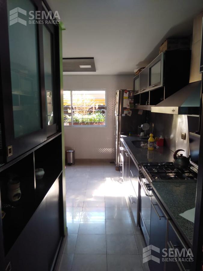 Foto Casa en Venta en  Zona Mate De Luna,  San Miguel De Tucumán  Pje Pedro Medrano 75