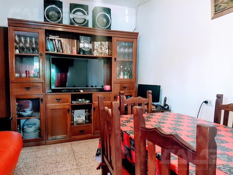 Foto Casa en Venta en  Ituzaingó ,  G.B.A. Zona Oeste  Santa Cruz al 2700