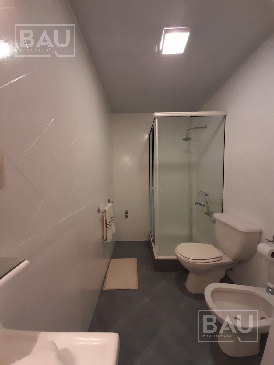Foto Departamento en Alquiler en  Recoleta ,  Capital Federal  Vicente Lopes<2272 piso 5 D