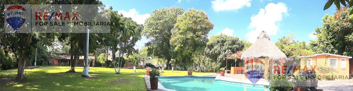 Foto Casa en Venta en  Xochitepec Centro,  Xochitepec          Venta de casa, amplio jardín en Xochitepec, Morelos…Clave 2930