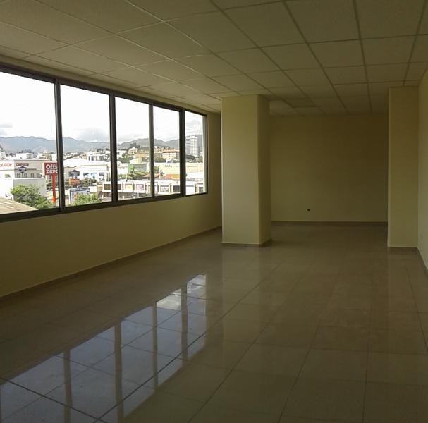 Foto Oficina en Renta en  Boulevard Suyapa,  Tegucigalpa  Local En Renta Metropolis Tegucigalpa