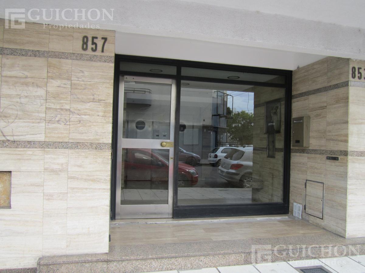 Foto Departamento en Alquiler en  La Plata ,  G.B.A. Zona Sur  4n al 800
