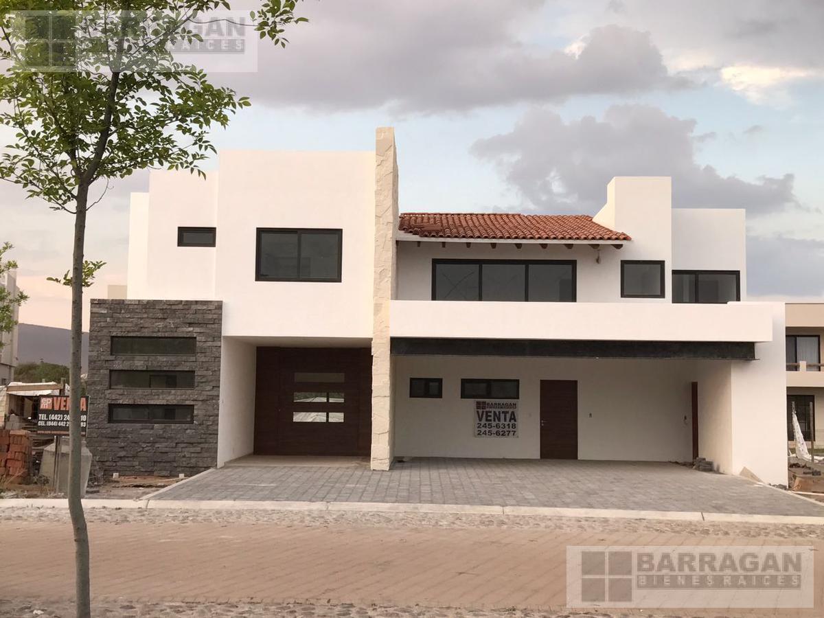 Foto Casa en Venta en  Fraccionamiento El Campanario,  Querétaro  El Campanario