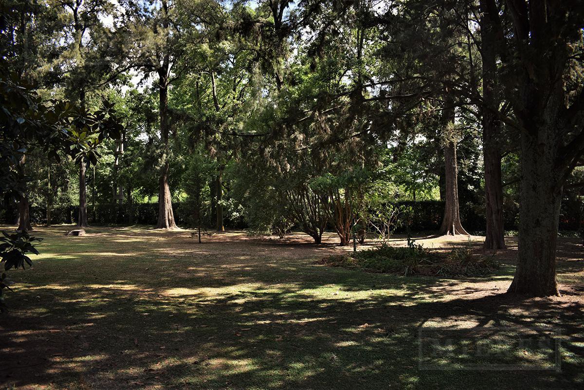 Mieres Propiedades - Casa en importante terreno en  Highland Park
