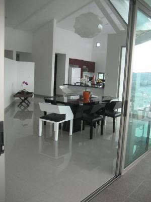 Foto Casa en condominio en Venta en  Colon,  Mora  Hermosa casa en venta en prestigioso condominio en Ciudad Colon!