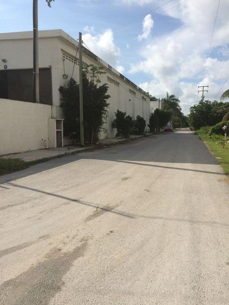 Foto Bodega Industrial en Renta en  Central de Bodegas,  Cancún  BODEGA CERCA DEL AEROPUERTO