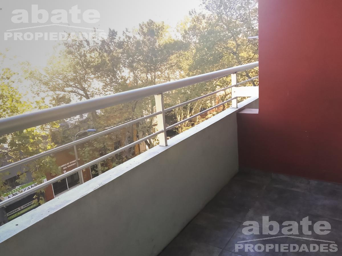 Foto Apartamento en Alquiler en  Parque Rodó ,  Montevideo  Gonzalo Ramírez 1983/403