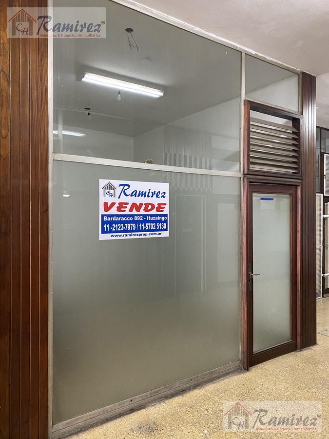 Foto Local en Venta en  San Isidro,  San Isidro  Martin y Omar al 400