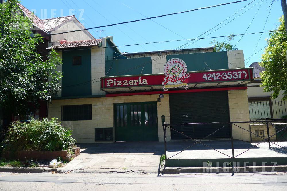 Foto Casa en Venta en  Banfield,  Lomas De Zamora  Casa en venta Banfield . Cochabamba 620