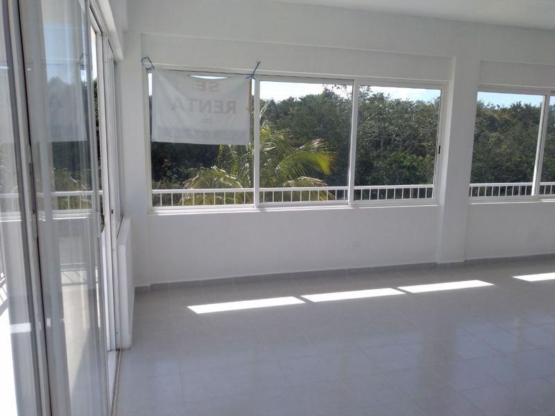 Foto Local en Renta en  Playa del Carmen ,  Quintana Roo  LOCAL COMERCIAL A UNA CUADRA DEL ARCO VIAL PLAYA DEL CARMEN P2696