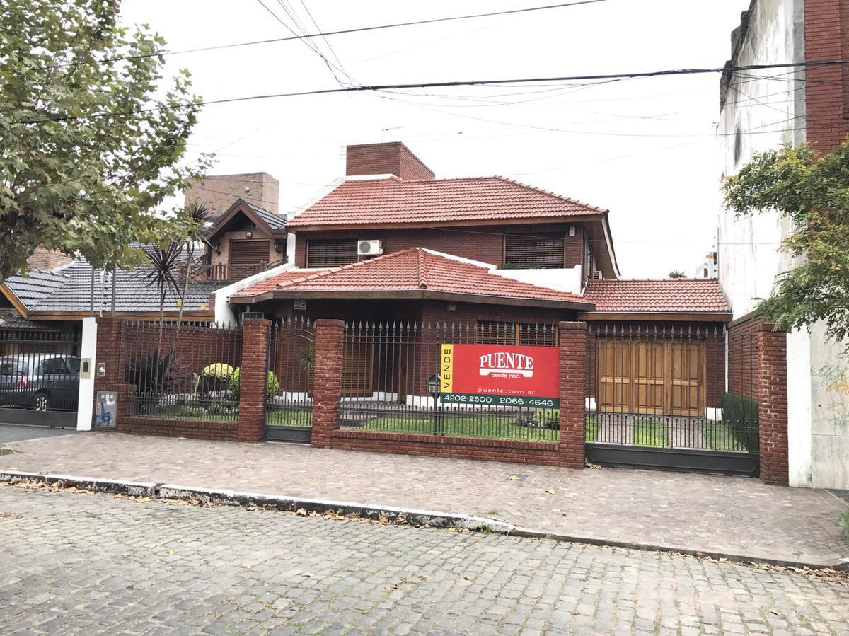 Foto Casa en Alquiler en  Lomas de Zamora Oeste,  Lomas De Zamora  San Martin  550