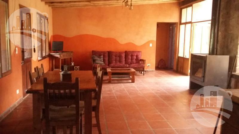 Foto Casa en Venta en  Capilla Del Monte,  Punilla  Casa 4 amb. 240 Mts2