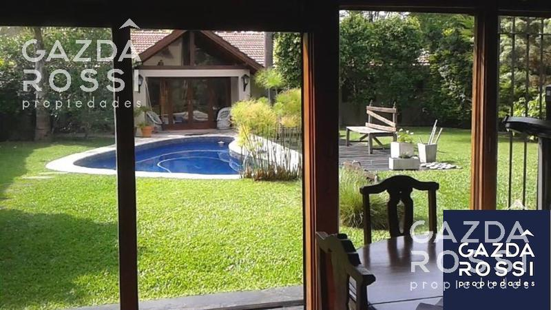 Foto Casa en Venta en  Adrogue,  Almirante Brown  SEGUI 332