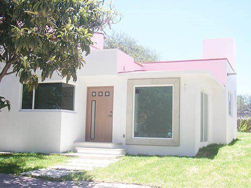 Foto Casa en Venta en  La Magdalena,  Tequisquiapan  Nueva, en fraccionamiento privado.