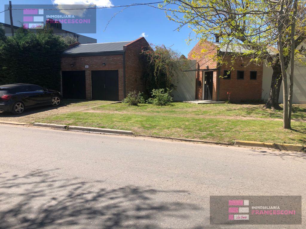 Foto Casa en Venta en  City Bell,  La Plata  462 Esquina 19