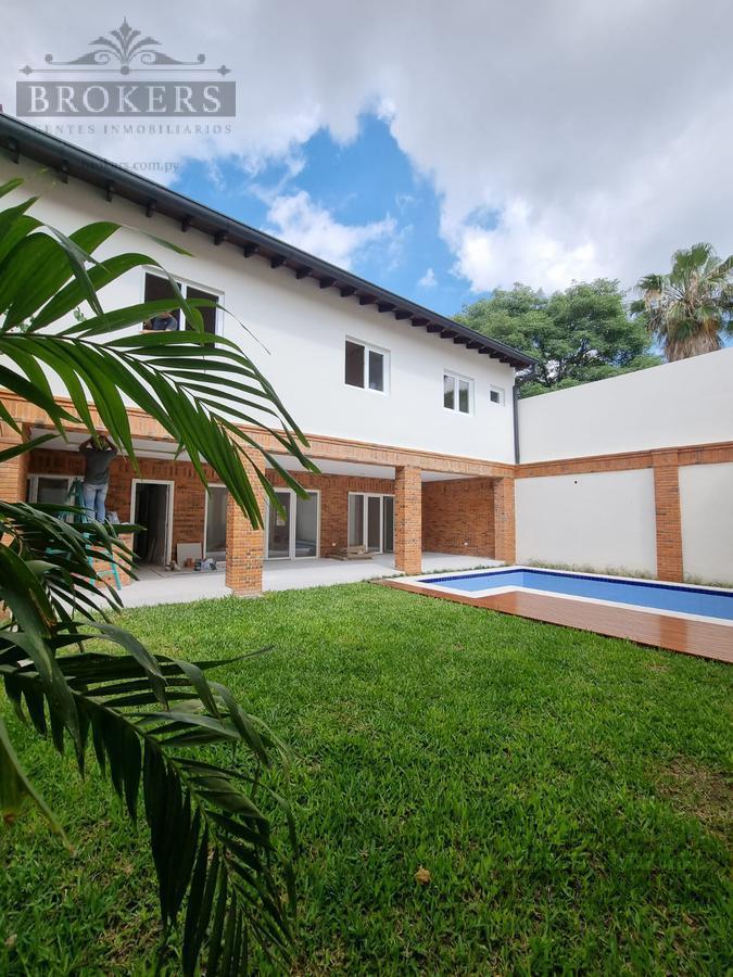 Foto Casa en Venta en  Mburucuya,  Santisima Trinidad  Vendo Casa  a Estrenar De 4 Dormitorios En Barrio Mburucuya