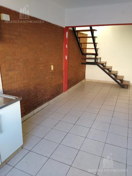 Foto Departamento en Alquiler en  Jose Leon Suarez,  General San Martin  Esmeralda al 6400