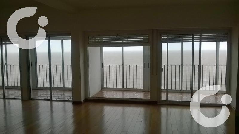Foto Departamento en Alquiler en  Pocitos ,  Montevideo  Apartamentos en Pocitos - 3 dormitorios