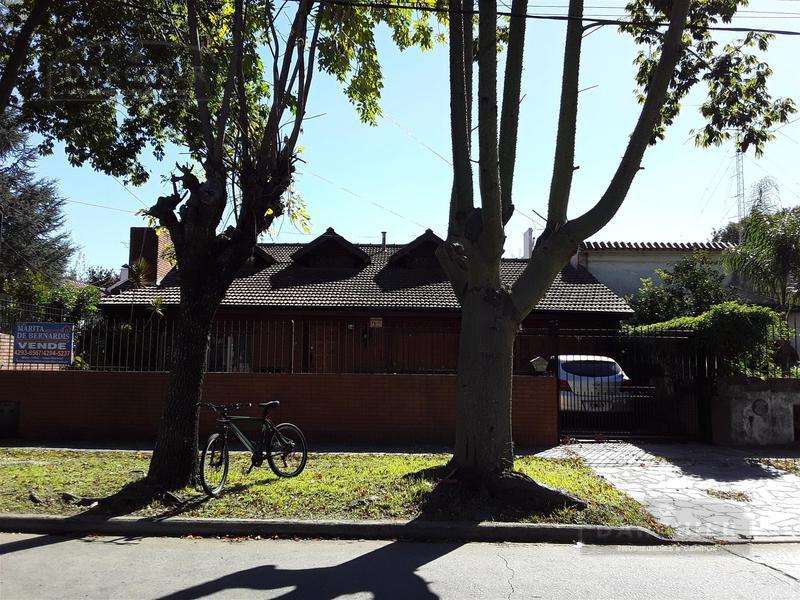 Foto Casa en Venta en  Adrogue,  Almirante Brown  JORGE 1499