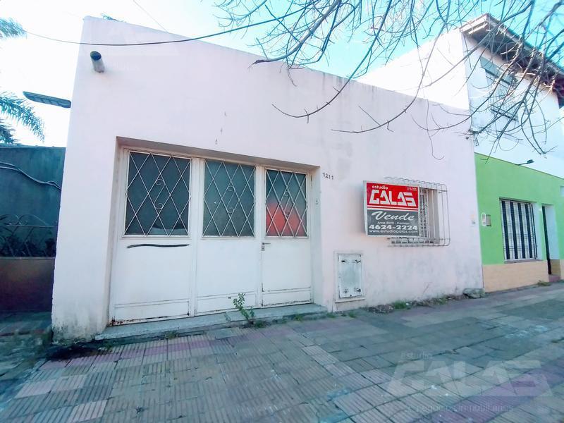 Foto Casa en Venta en  Moron ,  G.B.A. Zona Oeste  Entre Rios al 1200