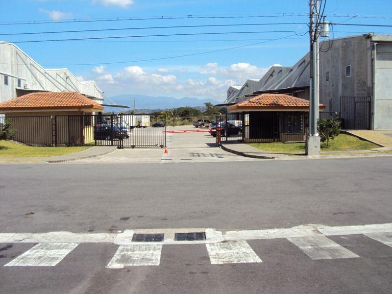 Foto Bodega Industrial en Renta en  Piedades,  Santa Ana  Bodega Industrial se alquila