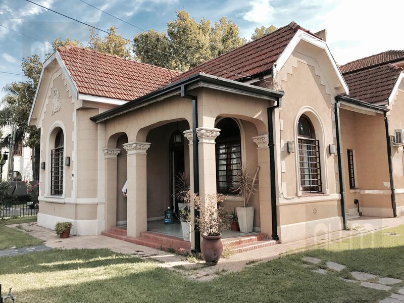 Foto Casa en Venta en  Lomas de Zamora Oeste,  Lomas De Zamora  Alem al 600