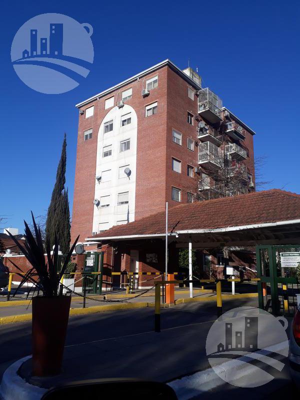 Foto Departamento en Venta en  Ezpeleta Este,  Quilmes  Esquel al 1300