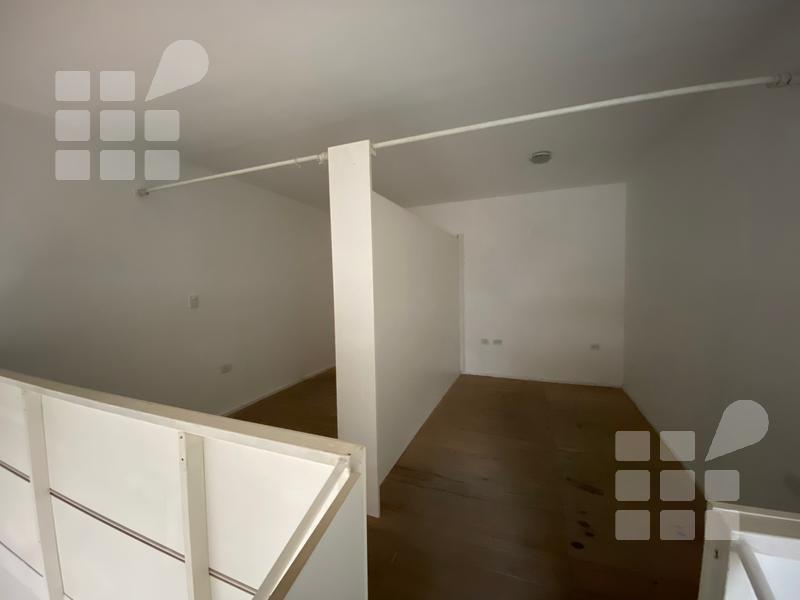 Foto Local en Venta | Alquiler en  La Plata ,  G.B.A. Zona Sur  10 e/ 45 y 46