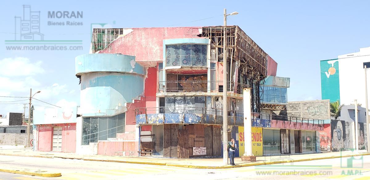 Foto Terreno en Venta en  Coatzacoalcos Centro,  Coatzacoalcos  Malecón Costero, esquina con la Av. Allende  y con calle Juventino Rosas, Centro, Coatzacoalcos, Ver.
