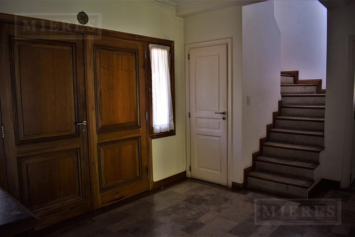MIERES Propiedades- Casa de 346 mts en Martindale  C.C.