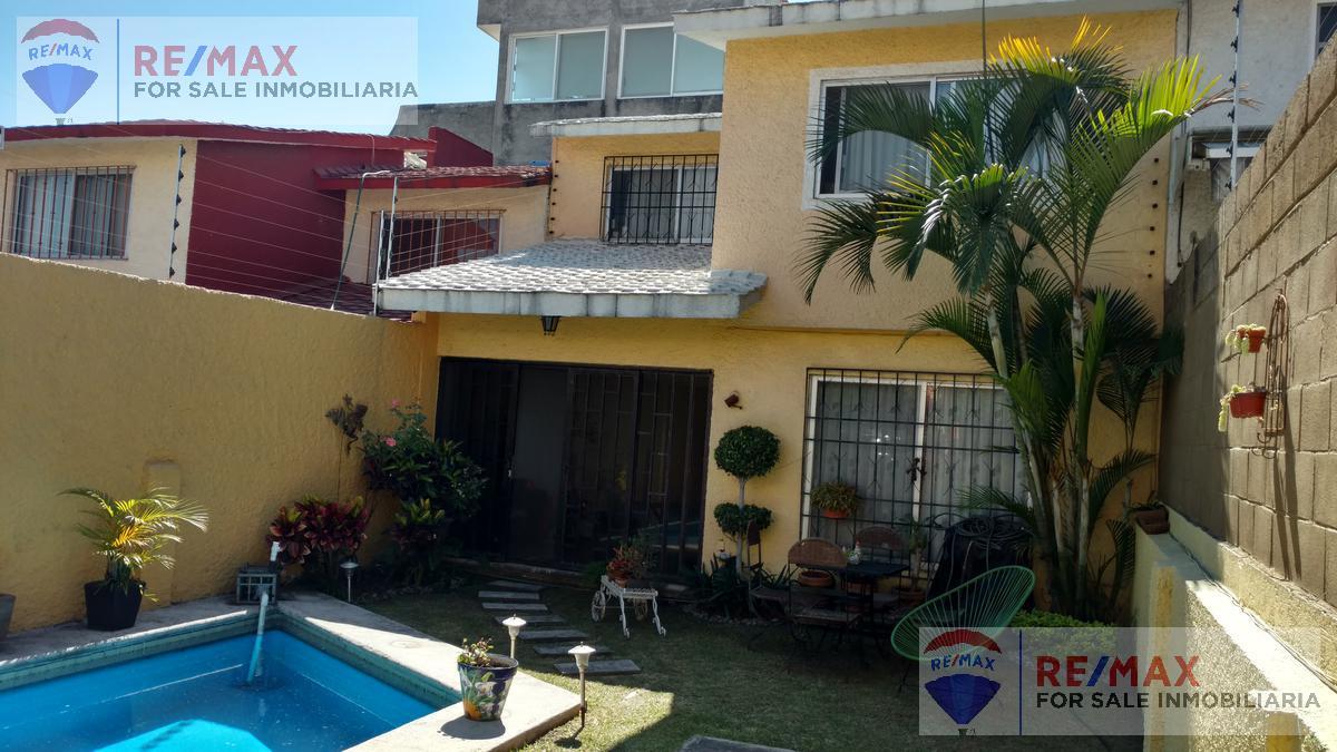 Foto Casa en Venta en  Extensión Vista Hermosa,  Cuernavaca  Venta de Casa Sola en Ampliación Vista Hermosa...Clave 3025